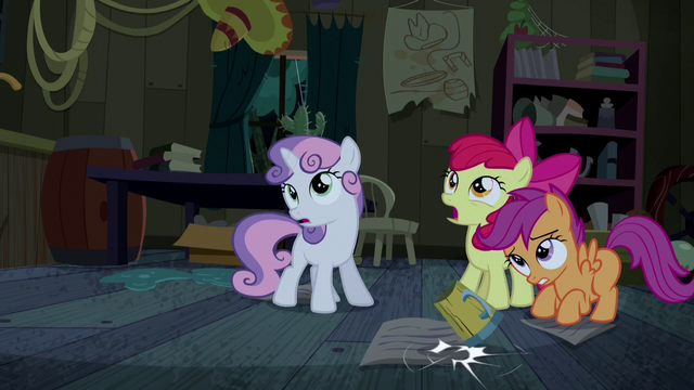 File:CMC watching Trouble Shoes stumble S5E6.png