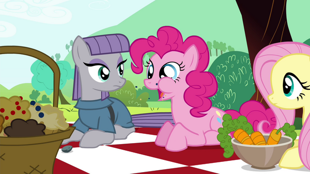 "File:Pinkie Pie ""They are crunchy!"" S4E18.png"