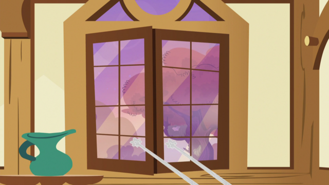 File:Fuzzy Legs closing the windows S5E21.png