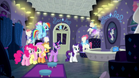 Rarity impressed with her friends' work S6E9