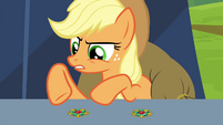 Applejack claiming the brooches are the same S4E22