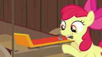 Apple Bloom hammers spoiler onto the cart S6E14