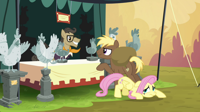 File:Fluttershy crawling away S4E22.png