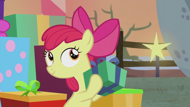 File:Apple Bloom shaking a gift box S5E20.png