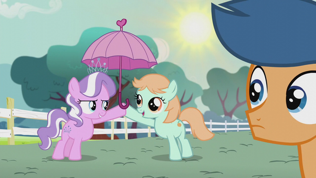 File:Diamond Tiara gives a parasol to Peach Fuzz S5E18.png