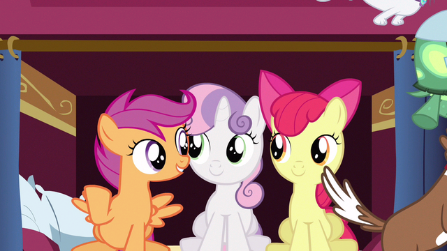 File:Scootaloo think the walls S3E11.png