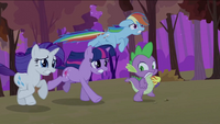 Twilight Rainbow Rarity Spike running away S2E21