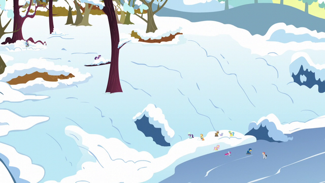 File:Final shot of Ponyville in winter S5E5.png