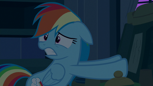 File:Rainbow Dash scared of Big Mac and Granny Smith S6E15.png
