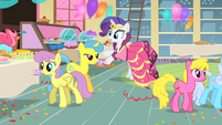 Rarity avoiding anything that could stain her dress S1E22
