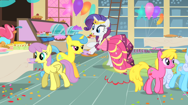 File:Rarity avoiding anything that could stain her dress S1E22.png