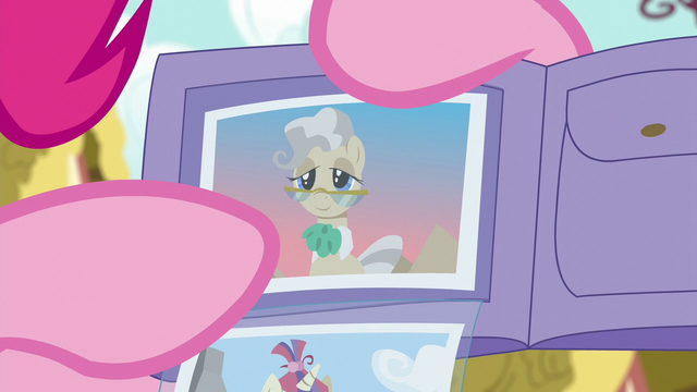 File:Pinkie points at photo of Mayor Mare S6E11.png