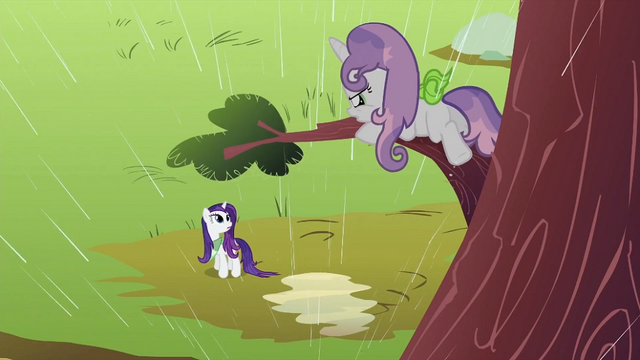 File:Sweetie Belle on the tree branch S2E05.png