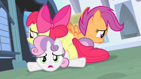 Cutie Mark Crusaders in a pile S4E19