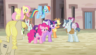 Mane six being welcomed by Party Favor S5E1