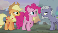 Pinkie split between her two families S5E20