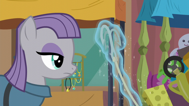 File:Maud Pie looking at grappling hook S6E3.png