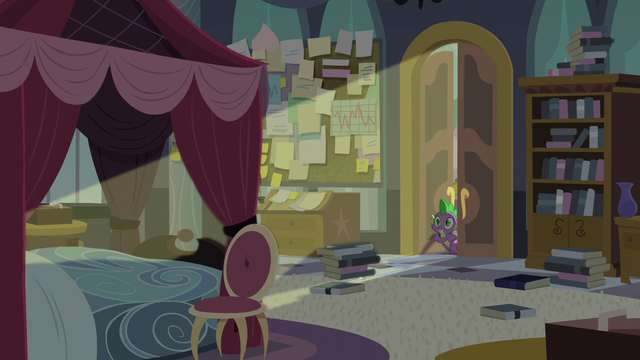 File:Spike entering Twilight's room S5E10.png