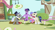 Twilight helped down from table S03E13