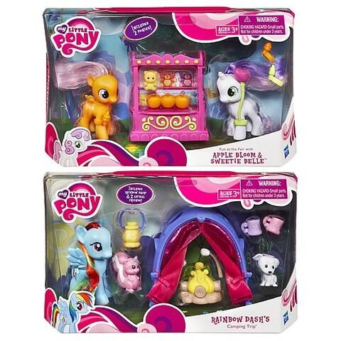 File:Rainbow Dash, Apple Bloom and Sweetie Belle toy sets from 2011.jpg