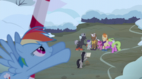 Rainbow Dash moving a cloud S06E08