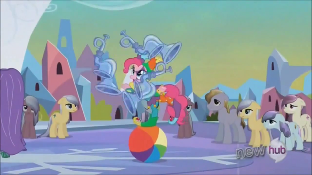 File:Pinkie Pie juggling on beach ball S3E2.png