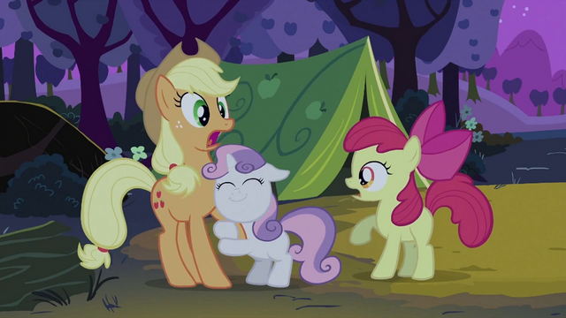 File:Sweetie Belle hugging Applejack's foreleg S2E05.png