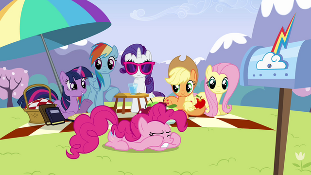File:Twilight 'Pinkie Pie' S3E7.png