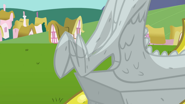 File:Discord's stone feet S03E10.png