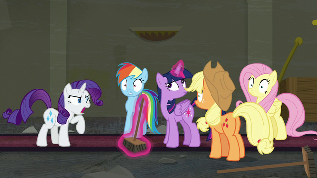 File:Main five hear another unusual sound S6E9.png