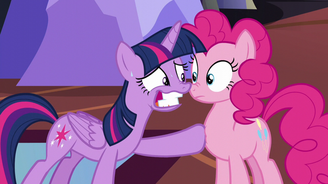 "File:Twilight nervous smile ""Everything's gonna be fine!"" S5E11.png"