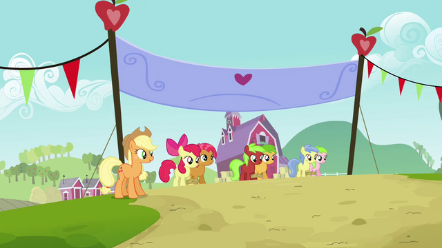 File:Babs, Apple Bloom and other fillies on the starting line S3E08.png