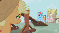 "Rainbow Dash ""what the hay is goin' on?"" S01E04"