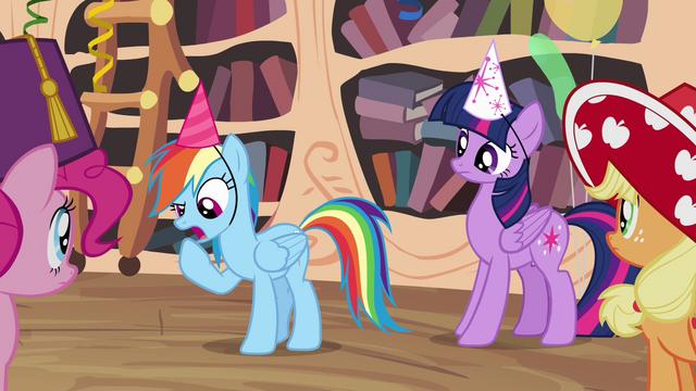 File:Rainbow Dash explains her idea S4E04.png