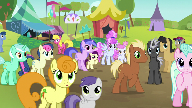 File:Crowd in shock first half S5E17.png