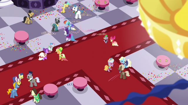 File:Overhead view of the Gala ballroom S5E7.png
