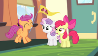 Scootaloo hovering S4E24