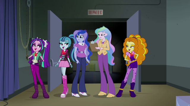 File:Dazzlings singing to the principals EG2.png