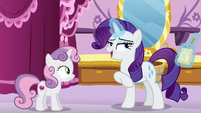 "Rarity ""leave tradition to the Apples"" S6E14"