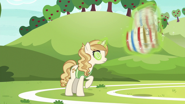 File:Sweet Biscuit making herself dizzy S6E18.png