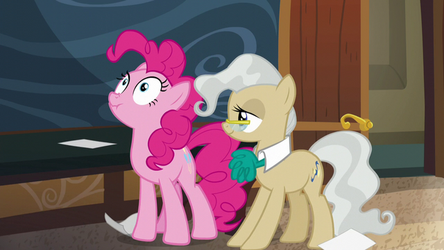 File:Pinkie keeping her face scrunchy S5E19.png