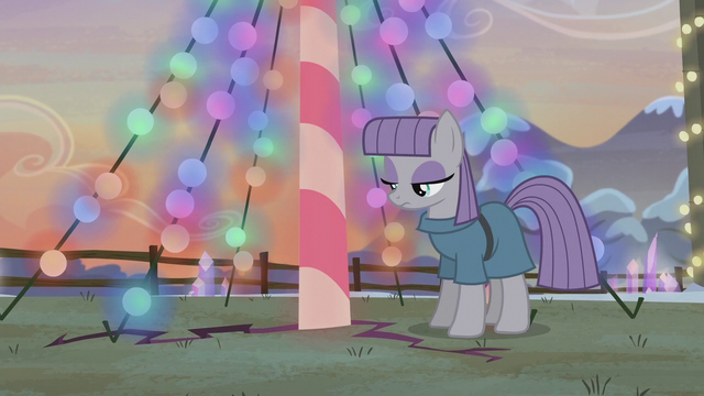 File:Ground beneath Maud begins to crack S5E20.png