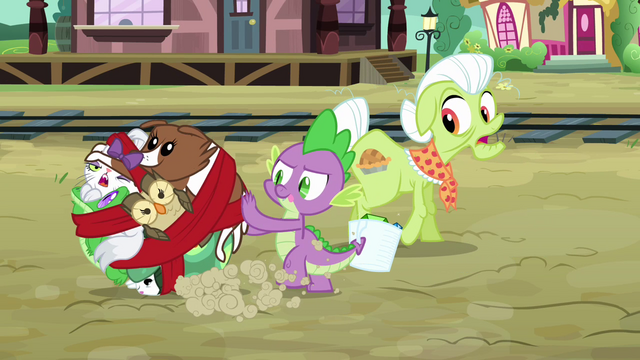 File:Spike rolls the pets around like a ball S03E11.png