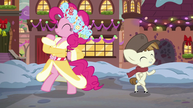 File:Spirit of HW Presents and Featherweight dance around each other S6E8.png