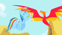 Rainbow Dash high-fives Philomena S1E22