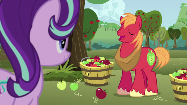 File:Big McIntosh greeting Starlight Glimmer S6E6.png