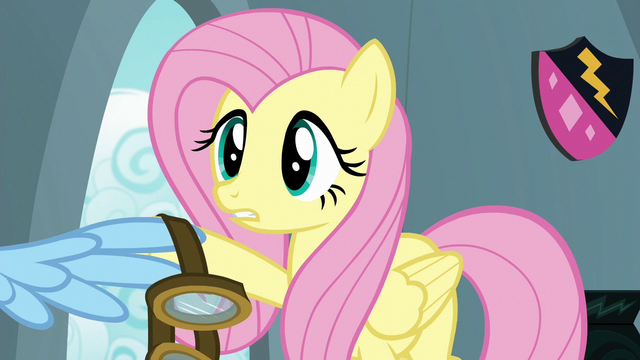 File:Fluttershy gives Rainbow her goggles S6E7.png