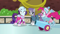 "Party cannon ""skating"" to Pinkie Pie S6E3"