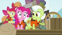 Pinkie Pie trembling S4E09