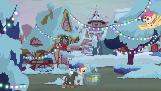 File:Ponies getting prepared for Hearth's Warming S06E08.png